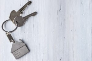 maison clé sur porte